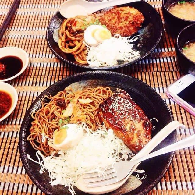 Mì ramen (udon) trộn kim chi, gà nướng tiêu của Kỳ Kỳ tại Kukai Udon - Chấn Hưng - 104195