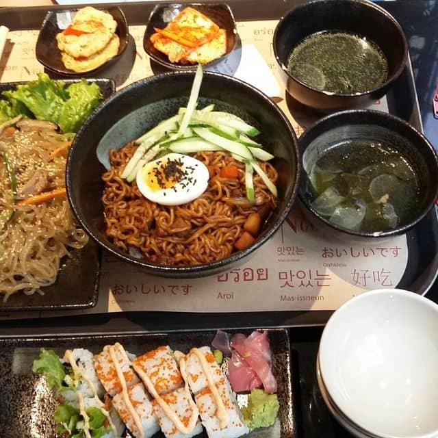 Miến trộn, sushi và mì tương đen của Trang Pixie tại Ngon Asia House - 167078