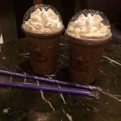 Riêng mình thấy ở đây pha chế không ngon lắm! Uống cứ nghe vị đắng chứ không thơm, giá ngang với Starbucks luôn! Hơi thất vọng tí!!