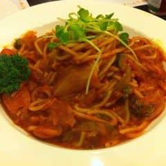 Nào giờ đi ăn mì ý toàn kêu bolognese hay cabonara không ! Bữa đổi vị ăn Napotalian thử cũng rất ngon ☺️❤️
