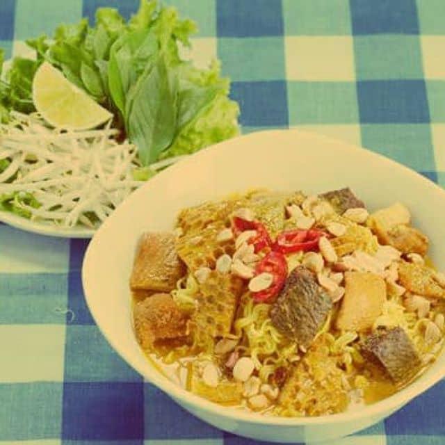 Phá lấu của Huy Pham tại Aiya! Thế Giới Ăn Vặt - Bùi Thị Xuân - 559
