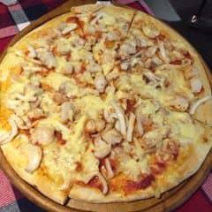 Piza theo cá nhân mình thấy ngon, đầy đặn. Nhân viên nhiệt tình mỗi tội là hay mời ăn món này món kia , mời nhiều thành ra ko thích nhắm thuiii :))