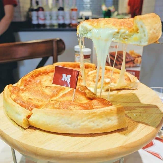 Pizza của Lyndy Bach tại Cowboy Jack's - Võ Văn Tần - 110615