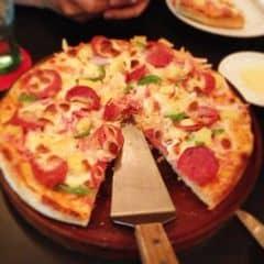 Hôm nay gầu lãnh lương nên dẫn đi ăn pizza hoành tráng luôn :3