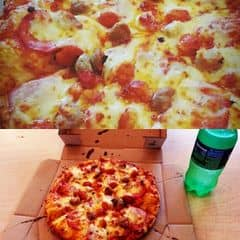 Mình hay ăn Pizza ở đây. So với Pizzs Hurt mình thấy Domino ngon hơn lại còn rẻ hơn, hay có chương trình khuyến mãi. Nên chọn ăn đế mỏng chứ đề dày ăn nhanh ngán, mình thấy chỉ có loại Magaritta ăn đế dày hợp. Domino mới có thêm 2 loại bánh mới nhưng thực sự mình ăn thấy rất dở. Phục vụ nhanh nhẹn và thân thiện. Ở Cao thắng thường ít người ăn hơn nên có chỗ ngồi thoải mái ở lầu trên.