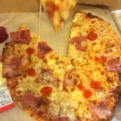 Pizza của Hồng Ngọc tại Domino's Pizza - Trần Não - 1054823