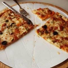 2 đứa chén hết cả 1 cái pizza 🍕🍕🍕