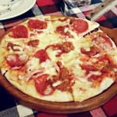 Pizza jambong xúc xích của Thùy Trang Đặng tại Pepperonis Restaurant - Giảng Võ - 345990