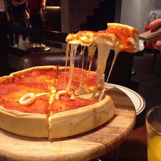 Pizza nhân nhồi của Thảo Hoàng tại Cowboy Jack's - Võ Văn Tần - 111291
