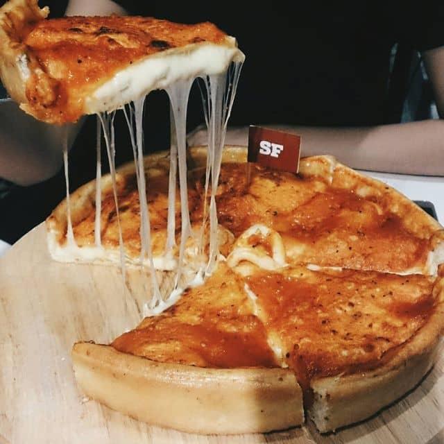 Pizza nhân nhồi (Hải Sản) của Ngoan Ngọc tại Cowboy Jack's - Võ Văn Tần - 123128