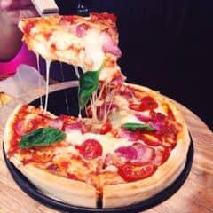 Pizza phô mai + bacon của Anh Kim tại Cowboy Jack's American Dining - Hoàng Đạo Thúy - 307801