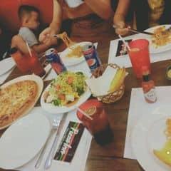 Pizza - Salad  của Phạm ThịNhưTrang tại Pizza Inn - Nguyễn Văn Trỗi - 360113