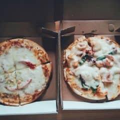 Pizza salami + pizza hải sản của Hà Phương Nguyễn tại Pizza Express - 305502
