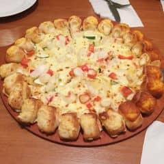 Pizza viền phô mai của Minh Ngọc tại Pizza Hut - Vincom Bà Triệu - 159248