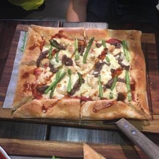 Roasted beef and prawn garlic pizza của mailan.ri tại 30 Trường Sơn, Quận Tân Bình, Hồ Chí Minh - 3105899