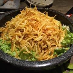 Salad khoai tây chiên của Bếu Trang tại Sumo BBQ - Vincom Bà Triệu - 325722