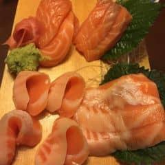 Sashimi cá hồi của Nguyễn Hồng Ngọc tại Nhà Hàng Nhật Sushi Bar - Kim Mã - 180066