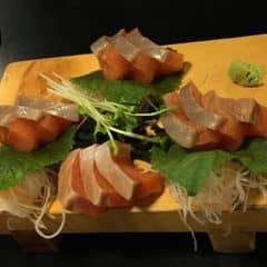 Sasimi cá hồi của Trang Lê tại The Sushi Bar - Zen Plaza - 523103