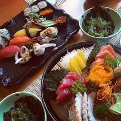 Sasimi cá hồi của Hà Myy tại Tokyo Deli - Hoàng Đạo Thúy - 1000624