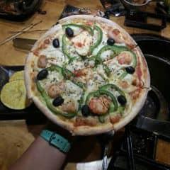 Perfect pizza.  Hana có khoảng 10 loại pizza trong menu buffet, loại nào cũng ngon đáo để. Bạn nên kêu trước từ đầu vì pizza đợi làm khá lâu, nhưng nên ăn cuối cùng nếu k muốn bị no và k ăn đc gì nữa. Giá mình để là buffet tối có thẻ VIP 248k và 10% thuế nhé. 9/10