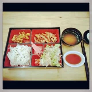 http://tea-3.lozi.vn/v1/images/resized/set-lunch-sakura-sushi-5107-1403032013