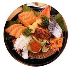 Set sushi thập cẩm của Hiền Thanh tại Tokyo Deli - Hoàng Đạo Thúy - 1135345