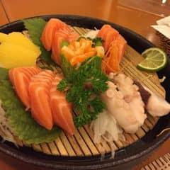 Shashimi tổng hợp của Hoai ThuongCao tại Tokyo Deli - Võ Văn Tần - 210019