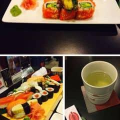 The sushi bar, sushi ngon, chất lượng miễn chê, giá hơi cao một tẹo nhưng tiền nào của đó nhaaa😍