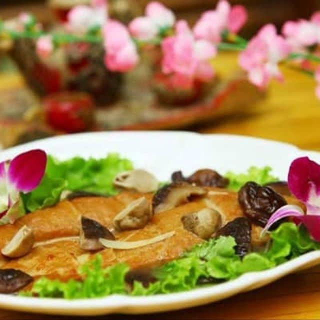Shri Restaurant & Lounge - 72-74 Nguyễn Thi Minh Khai, Quận 3, Hồ Chí Minh