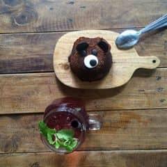 - soda dâu - bánh gấu 🍝🍝 của Bon tại Aroi Dessert Cafe - Nguyễn Thiệp - 757516
