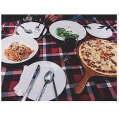 Spaghetti bò băm + salad gà + pizza bò dứa của Ngọc Minh tại Pepperonis Restaurant - Giảng Võ - 232024