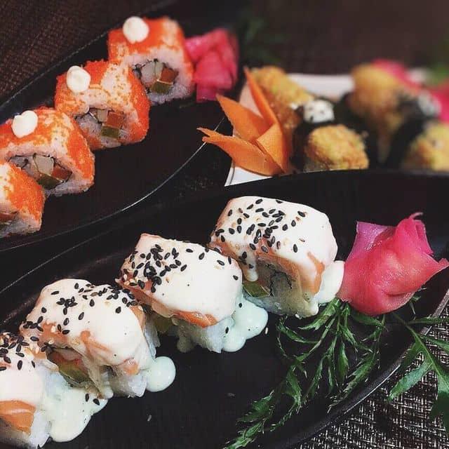Sushi cá hồi của Chên Chên's tại Sio Sushi - Đoàn Trần Nghiệp - 114070