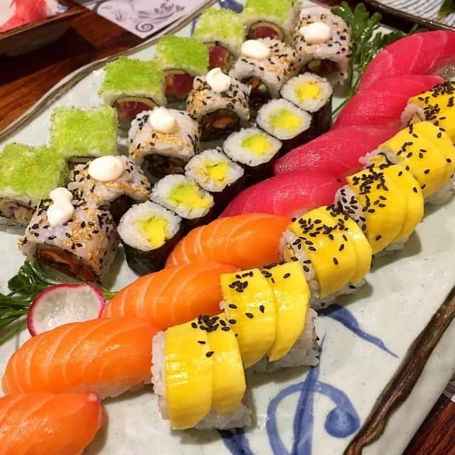 Sushi set thập cẩm của Thảo Nguyễn tại YEN Sushi Sake Pub - Lê Quý Đôn - 100510