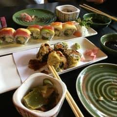 Sushi tempura,set l & salmon salad of cocosushi của Thùy An tại The Sushi Bar - Thiên Quế - 858412