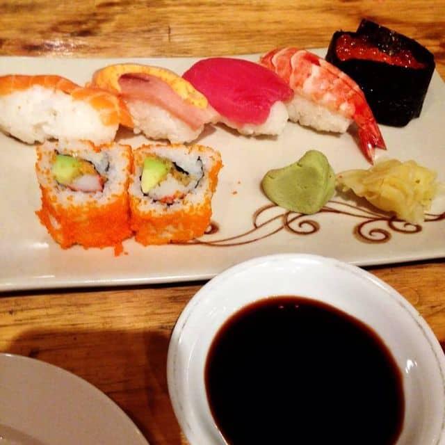 Sushi thập cẩm của Lương Huyền tại Tokyo Sushi - 107554