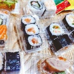 Nhắc đi nhắc lại Bạn nào đến, nhất định, phải ăn cái này !!!!! Bao rẻ bao ngon luôn :**** Ăn kiểu mát mát thanh thanh, vừa miệng k ngấy tí nào !!!! Lần nào đến cũn quẩy tung chỗ sushi ý =))))