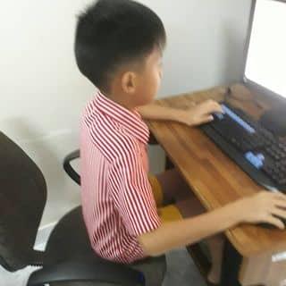 Thằng nhóc và máy tính của phatductran tại Lâm Đồng - 3665245