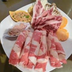 Thịt bò của Yến Thanh tại Lẩu Băng Chuyền Kichi Kichi - Sư Vạn Hạnh - 234570