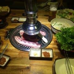 Bỗng thèm thịt và lao ngay ra gogi :)) hè ngại nóng nhưng chả lo, ngồi điều hoà mát rượi lại thêm thịt nướng thơm nứt mũi. Quá là 👌🏻👌🏻
