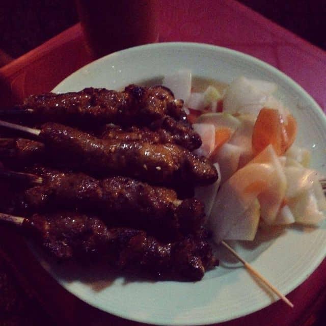 Thịt xiên nướng của Thao Pham tại  Cổng sau trường nguyễn thái sơn  - 27617