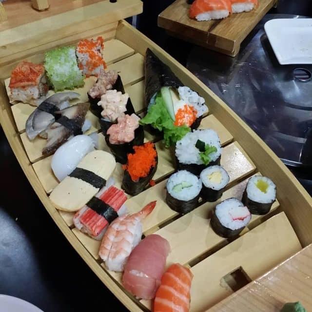 Thuyền sushi của Thảo Nguyễn tại Sakura - Japanese Restaurant - Nguyễn Thị Thập - 100491