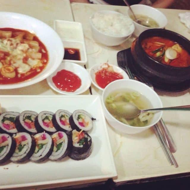 Tobokki + kimbap + lẩu kim chi của Viên Khoai tại Hanuri - Quán Ăn Hàn Quốc - Sư Vạn Hạnh - 159810
