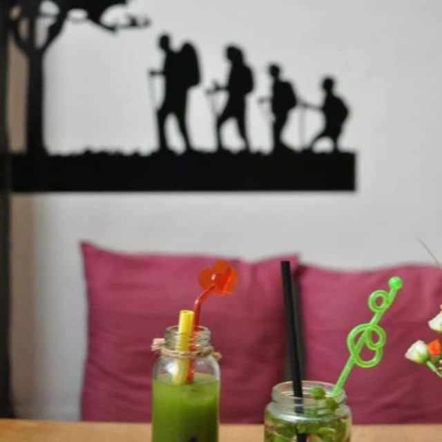 Trà sữa Thái Lan + soda dâu tây của Tú Thanh tại Now Cafe - 93848
