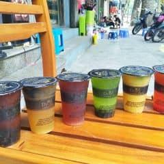 Dinh Tea đang sale thế là văn phòng suốt ngỳ uống cứ như được mùa =))) trà trái cây thì sale 30% còn các loại khác cũng đều giảm giá cơ mà tuỳ loại hem nhớ hết đâu. Giảm giá ở tất cả các hệ thoings và cả giao hàng nữa nha, nhưng giao hàng thì từ 3 cốc mới nhận nhé.