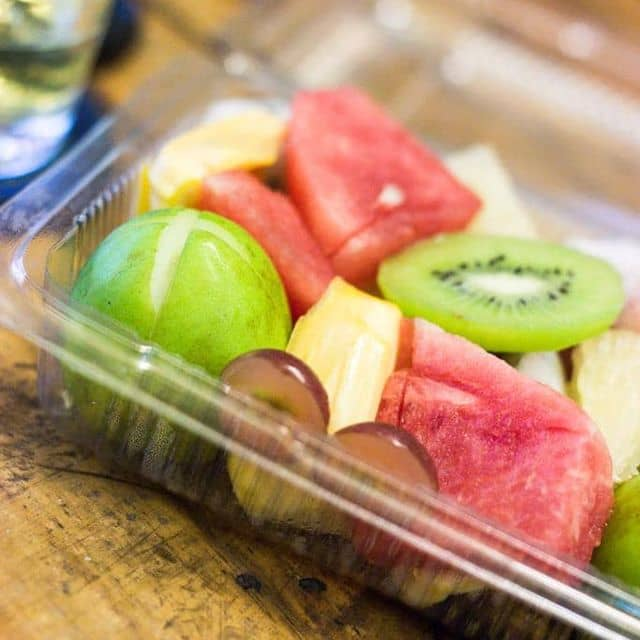 Trái cây tô biểu tượng cảm xúc pacman của Nam Trần Hoàng tại Cafe nguyên chất Emily - 59969