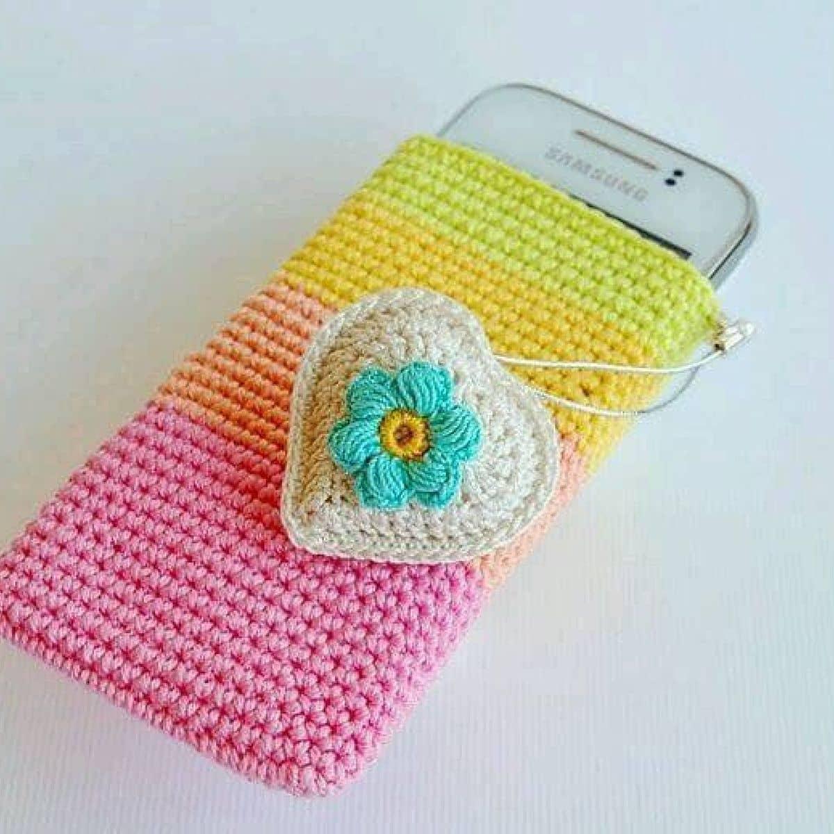 Фото вязанных крючком чехлов для телефона