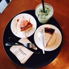 waffle & đồ uống của Diệu Linh tại Angel in us Coffee - Lotte Center Hanoi - 1419972