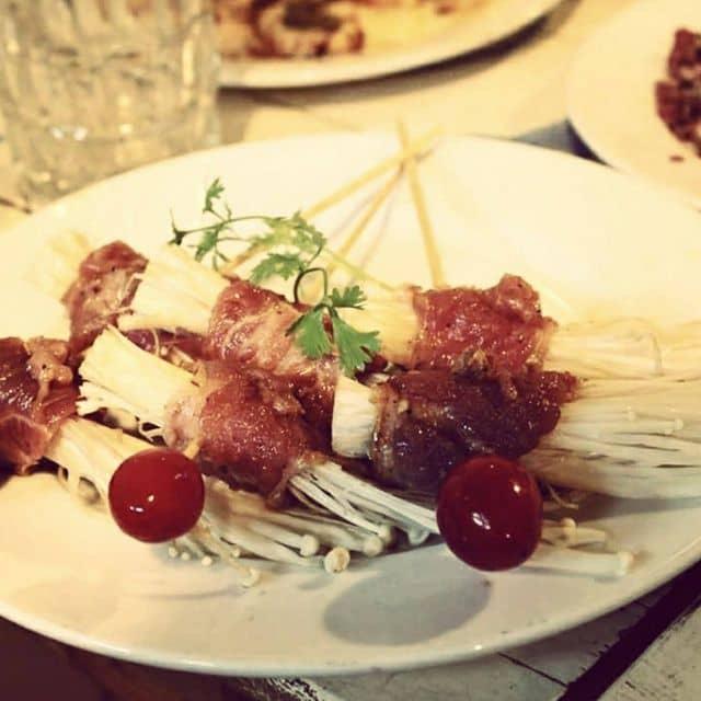 Xiên thịt nướng của Pham Thi Minh Phuong tại Bò Cười Quán - 68154